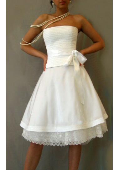 Půlnoční šaty - Svatební průvodce   Svatební šaty 489b625a15